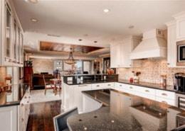 G Ultracraft Kitchens by Wedgewood Designer Debbie Davis Photograper Virtuance