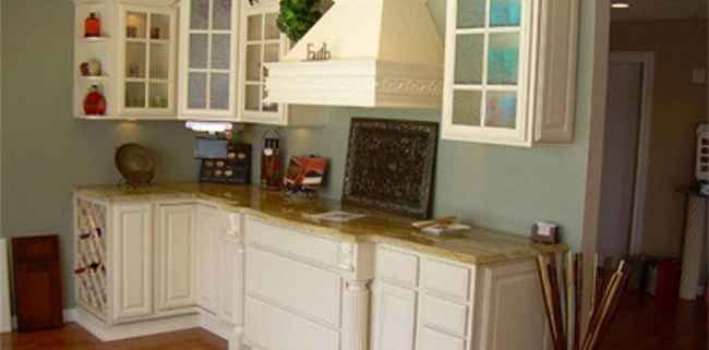 Painted Chimney hood Allesandro Kitchen